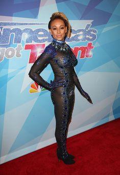 Обнажённая Мелани Браун в прозрачном наряде на шоу America's Got Talent фото #5
