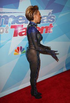 Обнажённая Мелани Браун в прозрачном наряде на шоу America's Got Talent фото #7