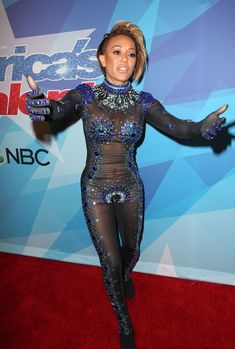 Обнажённая Мелани Браун в прозрачном наряде на шоу America's Got Talent фото #9
