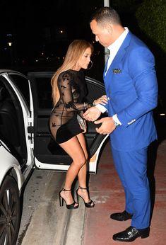 Сексуальная Дженнифер Лопес в полностью прозрачном наряде на Майами фото #3