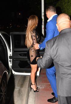 Сексуальная Дженнифер Лопес в полностью прозрачном наряде на Майами фото #4