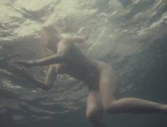 Александра Колкунова снялась голой в фильме «Похитители воды» фото #7