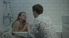 Александра Ребенок показала голую грудь в сериале «Садовое кольцо» фото #1
