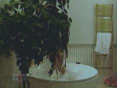 Голая попа Алены Яковлевой в сериале «Черная комната» фото #9