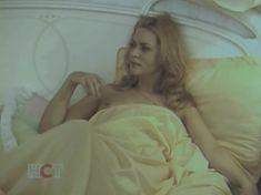 Голая попа Алены Яковлевой в сериале «Черная комната» фото #14