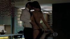 Алессандра Амбросио оголила грудь и попу в сериале «Тайные истины» фото #1