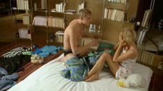 Голая грудь Ангелины Миримской в сериале «Сделка» фото #7
