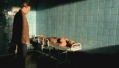 Полностью голая Анна Бегунова в сериале «Женщины в игре без правил» фото #1