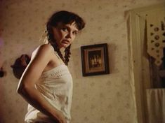 Голая грудь Анны Маланкиной в фильме «Заколдованные» фото #19