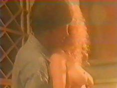 Анна Махова снялась голой в фильме «Секс-вампир в России» фото #4