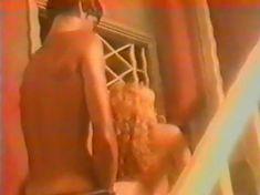 Анна Махова снялась голой в фильме «Секс-вампир в России» фото #17