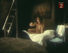 Анна Мясоедова снялась голой в фильме «Жена керосинщика» фото #6
