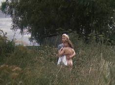 Анна Назарьева снялась голой в фильме «Кумпарсита» фото #12