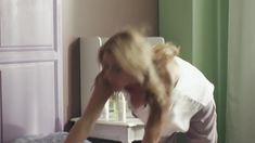 Анна Невская засветила грудь в фильме «Сюрприз для любимого» фото #3