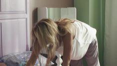 Анна Невская засветила грудь в фильме «Сюрприз для любимого» фото #5