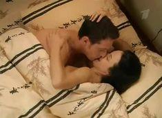 Анна Снаткина засветила грудь в сериале «Татьянин день» фото #2