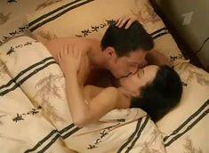 Анна Снаткина засветила грудь в сериале «Татьянин день» фото #3