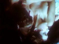 Анна Тихонова снялась голой в фильме «Полет ночной бабочки» фото #11