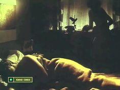 Астрида Кайриша засветила грудь в фильме «Вечерний вариант» фото #3