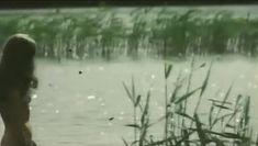 Астрида Кайриша снялась голой в фильме «Соната над озером» фото #2