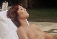 Полностью голая Бетти Верже в фильме «Греческая смоковница» фото #18