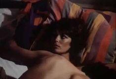 Полностью голая Бетти Верже в фильме «Греческая смоковница» фото #58