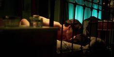 Голая грудь Бланки Суарес в сериале «Телефонистки» фото #1