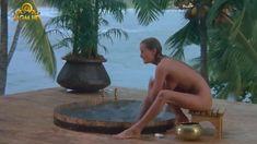 Полностью голая Бо Дерек в фильме «Призраки этого не делают» фото #6