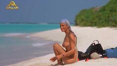 Полностью голая Бо Дерек в фильме «Призраки этого не делают» фото #13