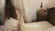 Голая попа Варвары Щербаковой в сериале «Подземный переход» фото #2
