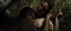 Полностью голая Дарья Екамасова в фильме «Жила-была одна баба» фото #29