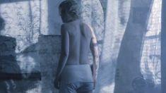 Дарья Мороз показала голую грудь в фильме «Нанкинский пейзаж» фото #6