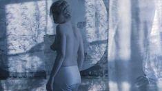 Дарья Мороз показала голую грудь в фильме «Нанкинский пейзаж» фото #7