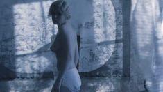Дарья Мороз показала голую грудь в фильме «Нанкинский пейзаж» фото #8