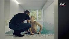 Голая грудь Дарьи Мороз в сериале «Содержанки» фото #2