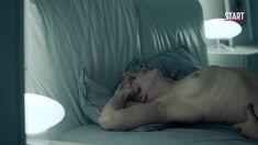 Голая грудь Дарьи Мороз в сериале «Содержанки» фото #16