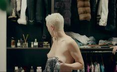 Голая грудь Дарьи Мороз в сериале «Содержанки» фото #29