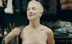 Голая грудь Дарьи Мороз в сериале «Содержанки» фото #30