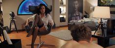 Даша Астафьева оголила грудь и попу в фильме «Свингеры» фото #11