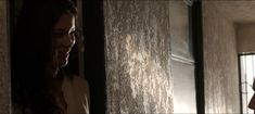Денай Гарсиа слегка засветила грудь в фильме «Ускорение» фото #1