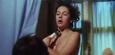Джессика Мур снялась голой в фильме «В гостях у тетушки» фото #7