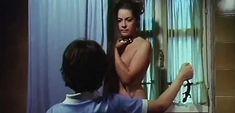Джессика Мур снялась голой в фильме «В гостях у тетушки» фото #9