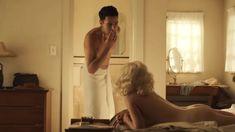 Красотка Джули Энн Эмери снялась голой в сериале «Уловка-22» фото #5