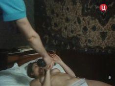 Голая грудь Елены Катышевой в фильме «Кровь за кровь» фото #2