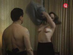 Голая грудь Елены Катышевой в фильме «Кровь за кровь» фото #11