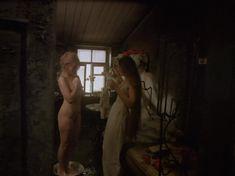 Полностью голая Елена Кольчугина в фильме «Яма» фото #1
