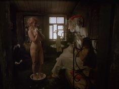 Полностью голая Елена Кольчугина в фильме «Яма» фото #8