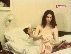 Голая грудь Елены Костиной в сериале «Случай в аэропорту» фото #3