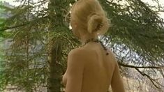 Голые сиськи Елены Ксенофонтовой в сериале «Тайга. Курс выживания» фото #9