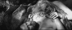 Голая грудь Елены Морозовой в фильме «Мешок без дна» фото #1